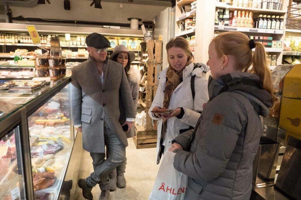 Besuch im Urban Deli auf der Food Tour Stockholm