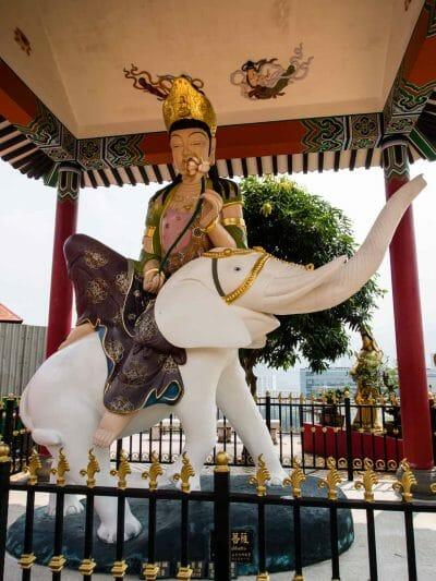 Pu Xian am 10000 Buddha Tempel in Hongkong