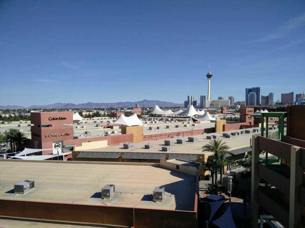 Blick über Premium Outlet Mall in Las Vegas