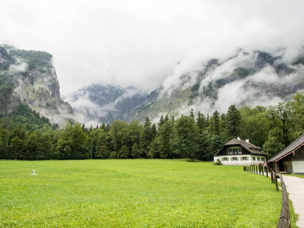 Blick Richtung Watzmann von St. Bartholomä Königssee in Berchtesgaden