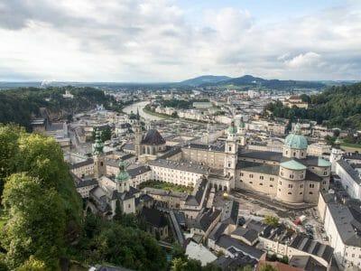 Blick über die Altstadt von Salzburg von der Festung aus fotografiert