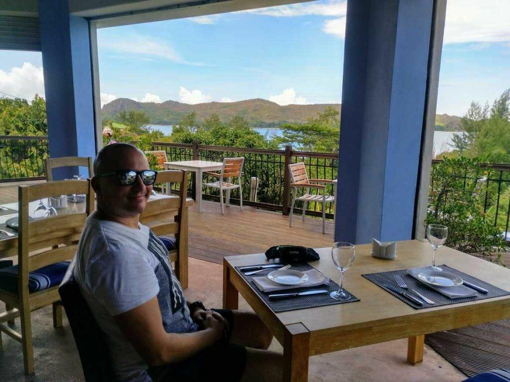 Stephan im Restaurant Pasquiere auf Praslin Seychellen