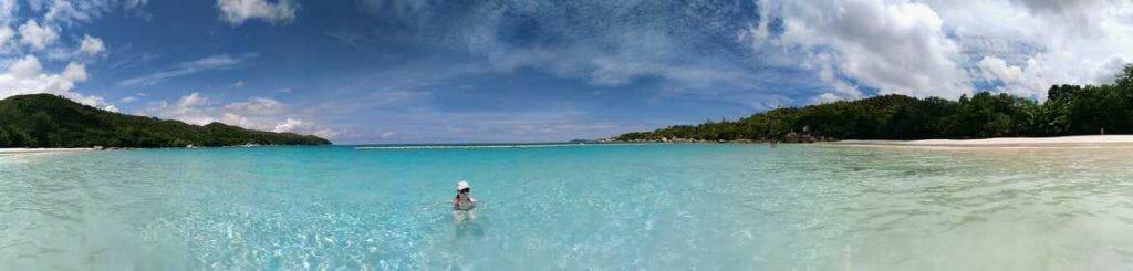 Panorama Anse Lazio im Meer auf Praslin Seychellen