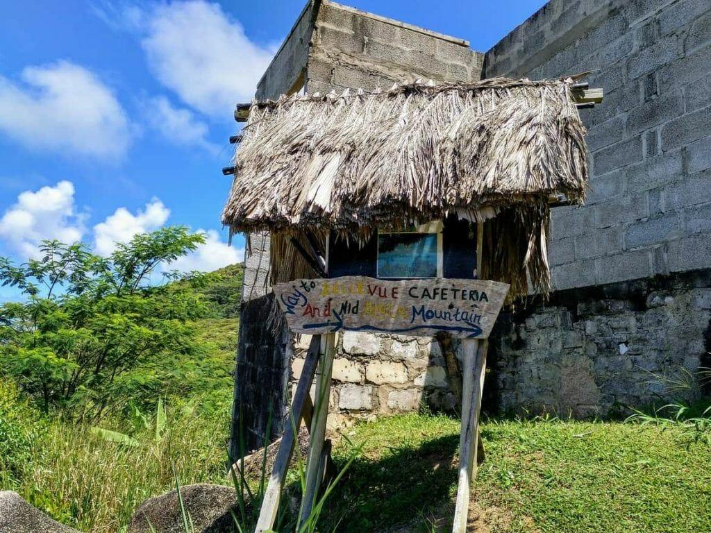 Beschilderung zum Nid Daigle Adlernest auf La Digue Seychellen