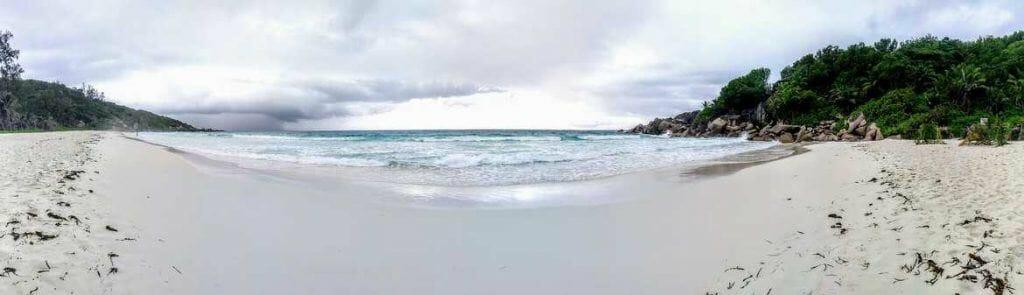 Panorama Petite Anse auf La Digue Seychellen