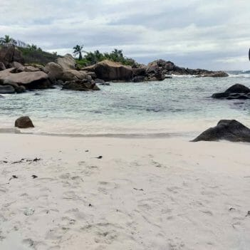 Pool an der Anse Cocos auf La Digue Seychellen