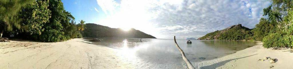Panorama Baie Ternay auf Mahe Seychellen