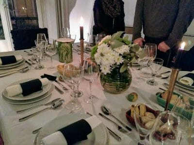 Eingedeckter Tisch beim Secret Supper Club in Lissabon Portugal