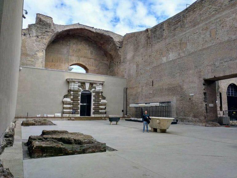 Ruinen der Diokletiansthermen in Rom Italien