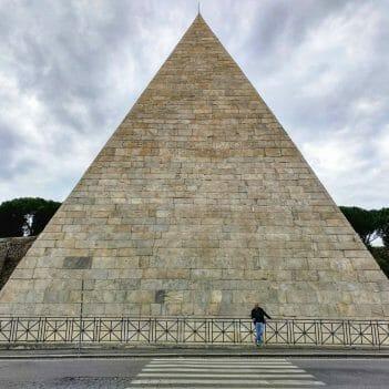 Pyramide in Rom Italien