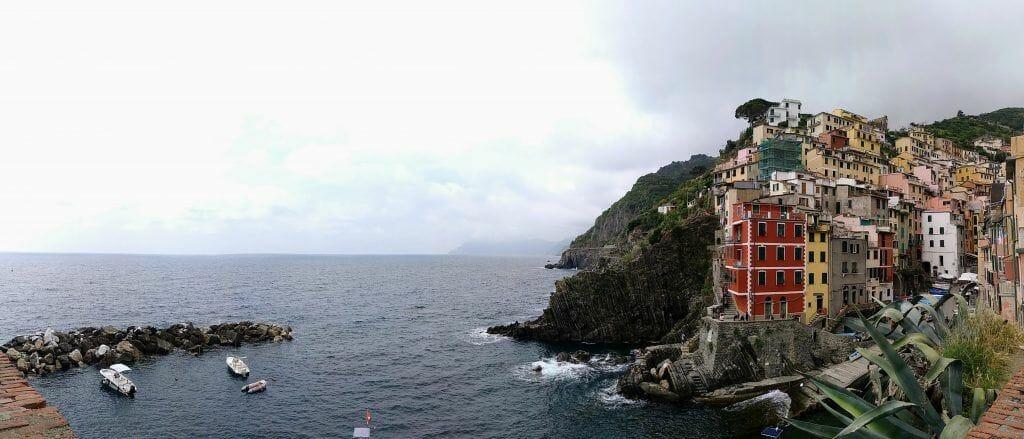 Panorama Riomaggiore im Cinque Terre in Italien
