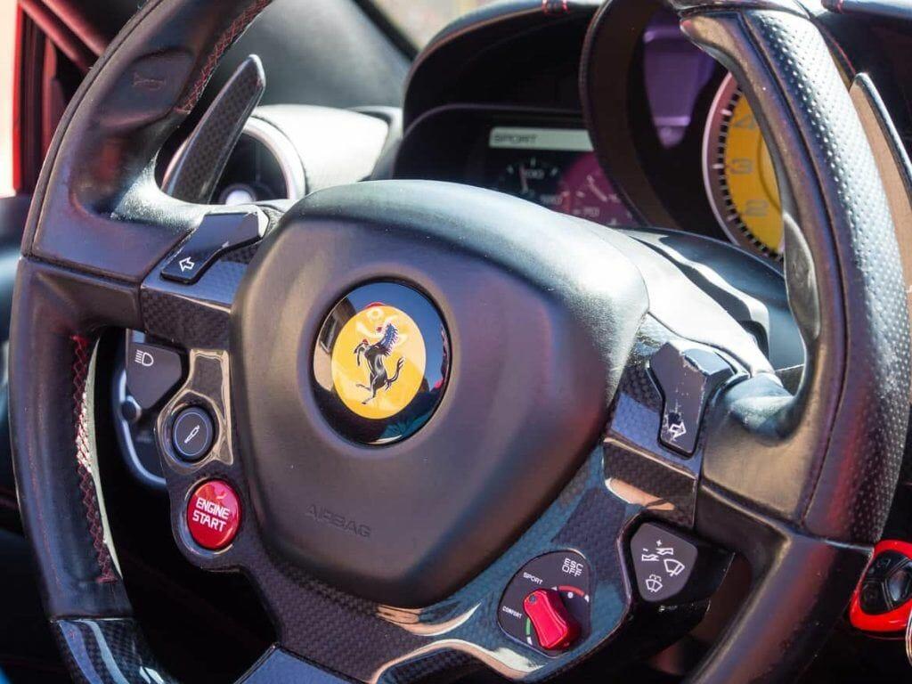 Lenkrad Ferrari in Maranello Italien