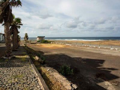 Blick über den Flughafen auf Santo Antao Kapverden