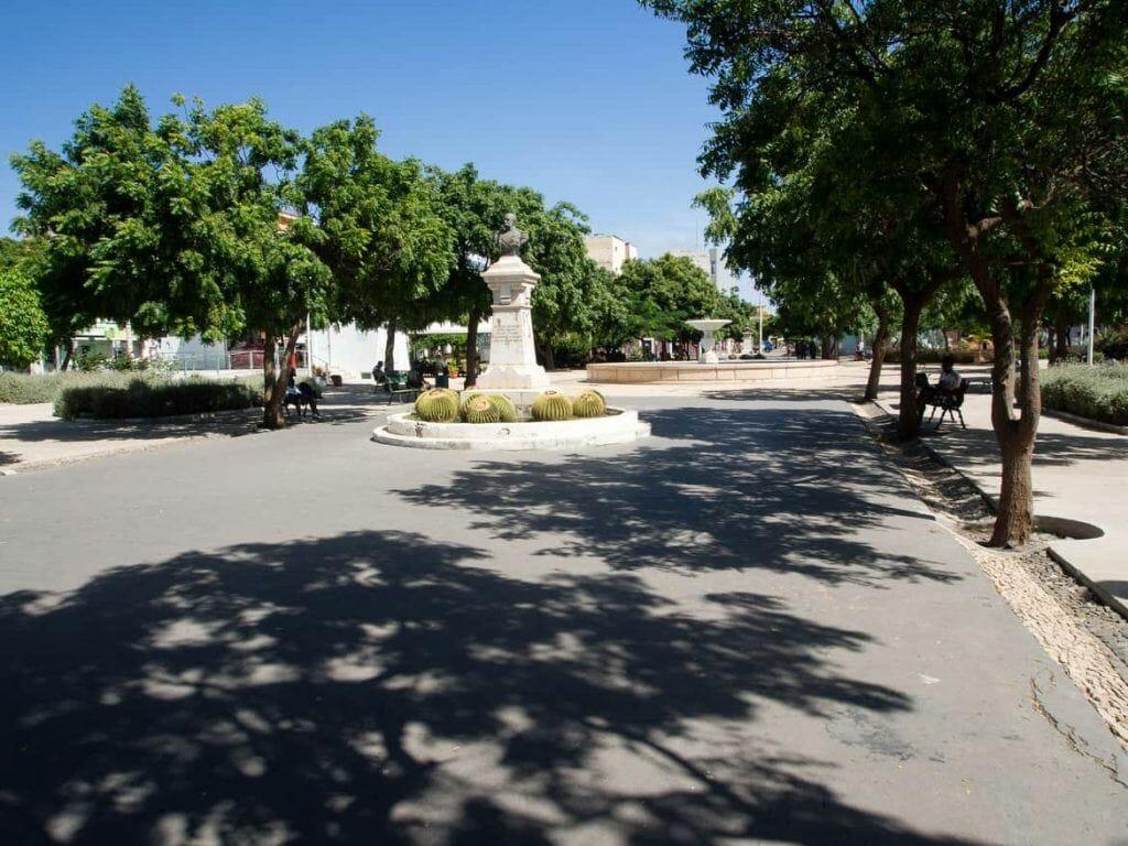 Park auf dem Plateau in Praia auf Santiago Kapverden