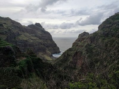 Blick auf den Strandabschnitt Fontainhas auf Santo Antao Kapverden