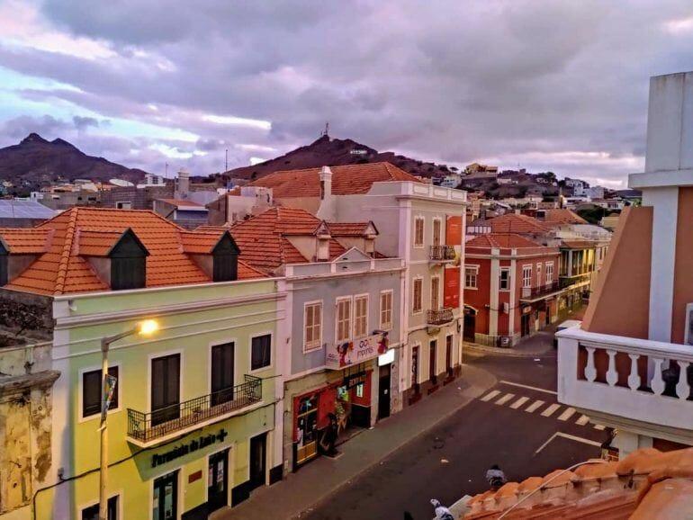 Sonnenaufgang über Mindelo auf Sao Vicente Kapverden
