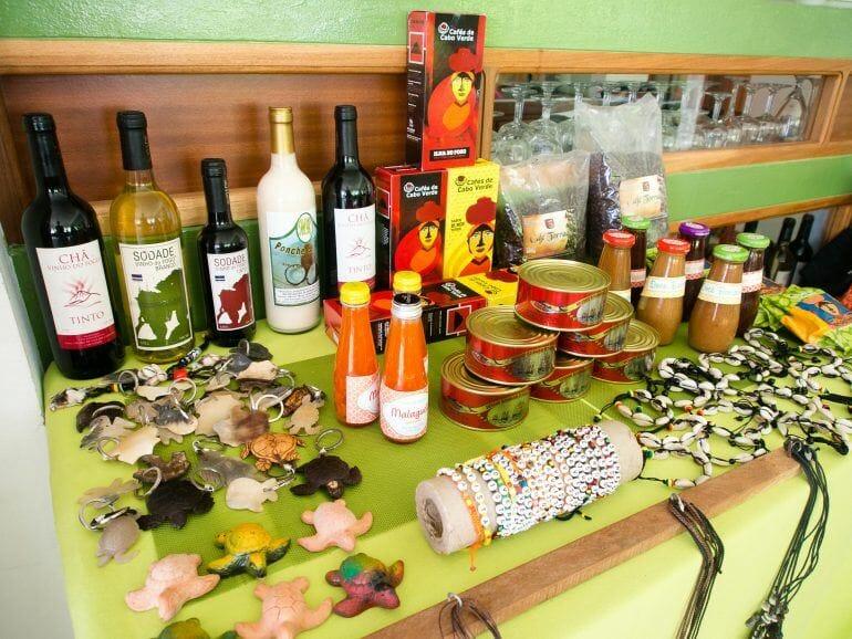 Souvenir Shop in der Bar Izilda auf Boa Vista Kapverden