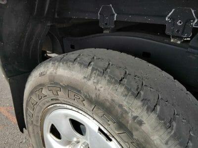 beschädigter Reifen auf Fogo Kapverden