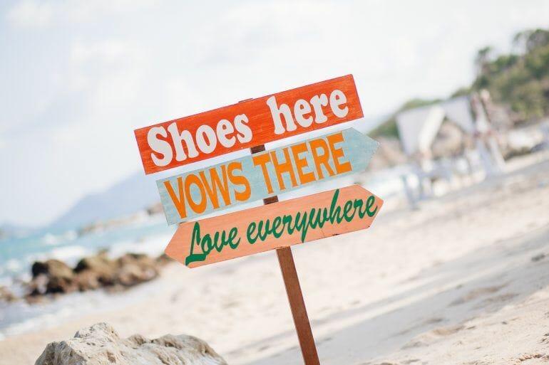 Bitte Schuhe ausziehen Hochzeit Koh Samui Thailand