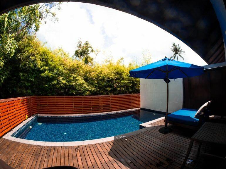 Pool am Hotelzimmer Outrigger Beach Resort Koh Samui Thailand