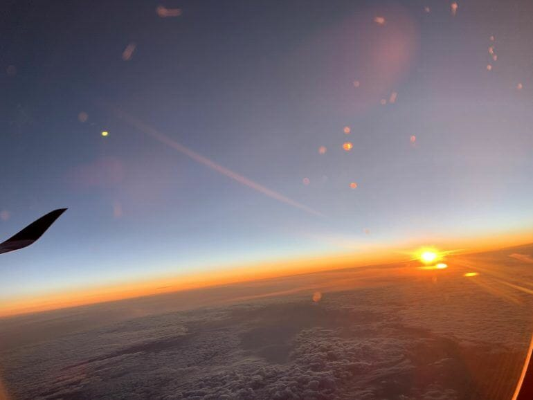 Sonnenaufgang aus Flugzeug