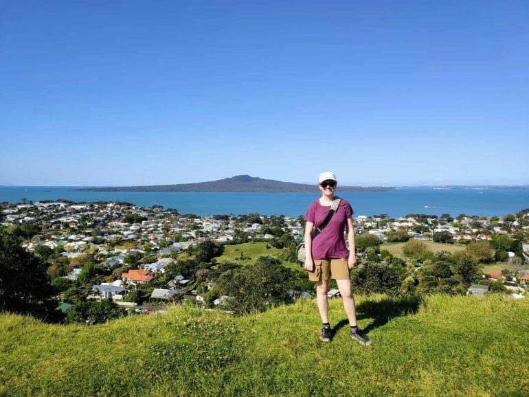 Sandra auf dem Mount Victoria in Auckland Neuseeland