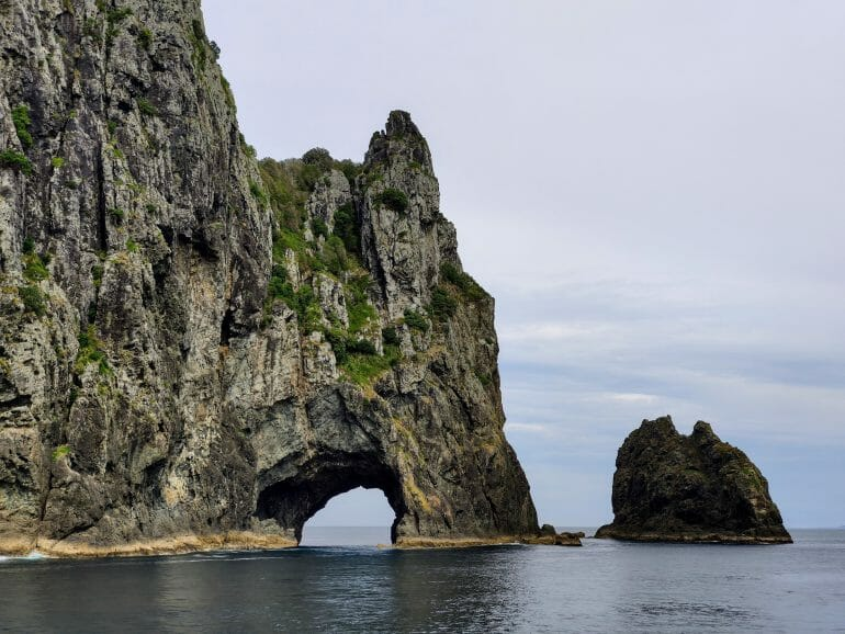 Hole in the Rock Bay of Islands Neuseeland