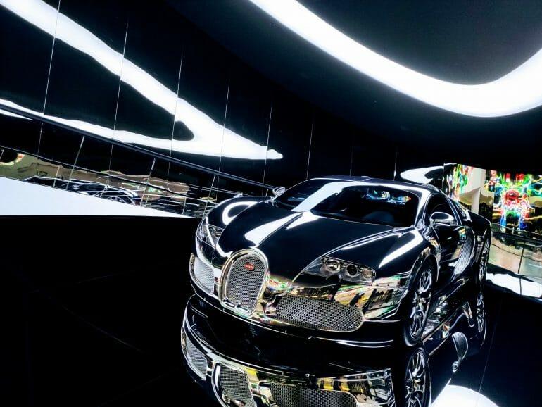 Bugatti Veyron Supersportwagen in der Autostadt Wolfsburg