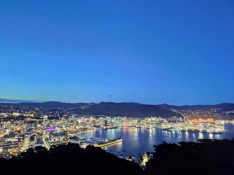 Wellington bei Nacht Neuseeland